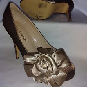 Satin Champagne dress heels